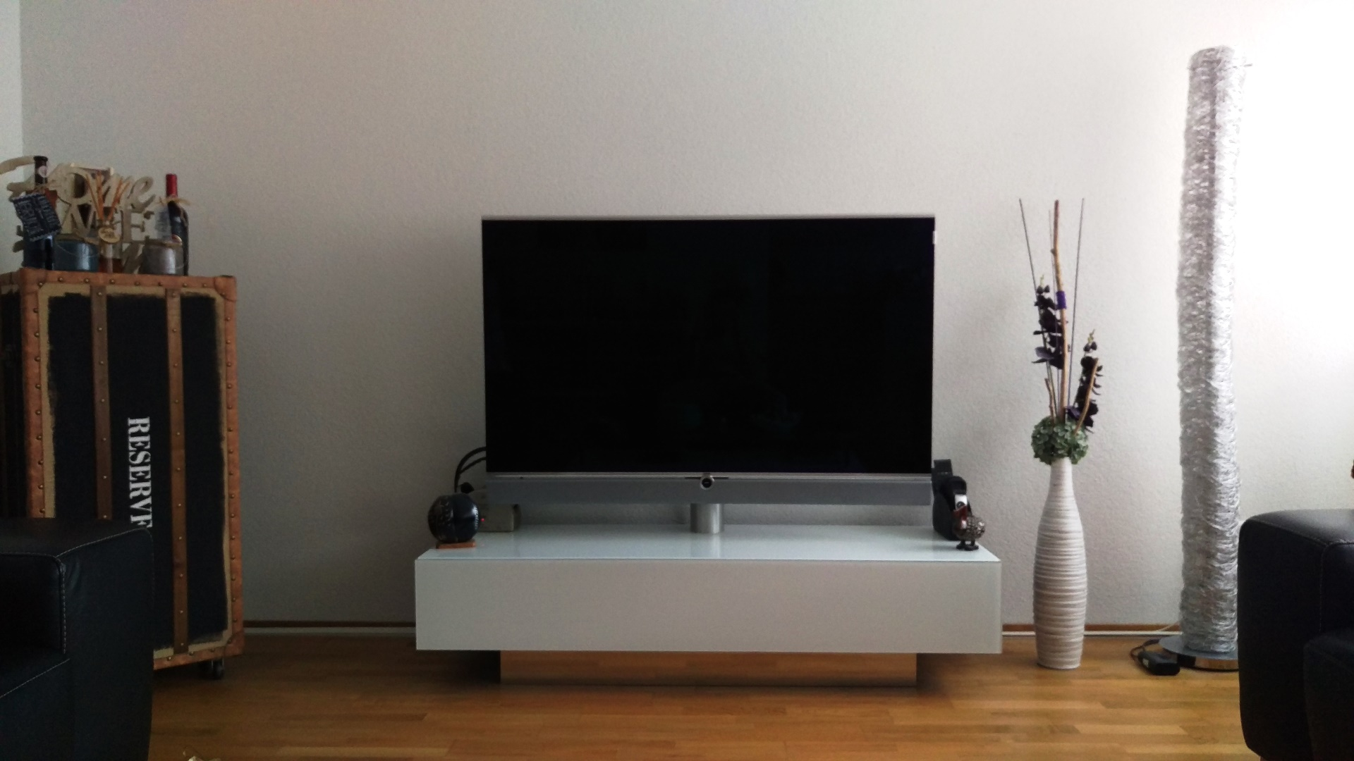 Spectral Möbel mit Loewe TV